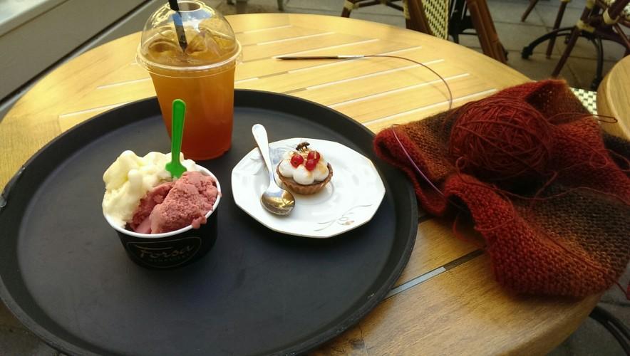 Stickat på café och stickat på stickcafe